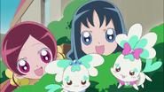 Tsubomi y Erika contentas por Masahiro