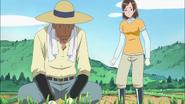 Aki discutiendo con su padre acerca de vivir con ella luego de casarse
