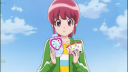 Megumi con el Loveprechange mirror and precards