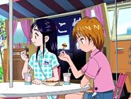 Nagisa honoka comiendo buñuelos
