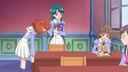Minami conversando con Kirara