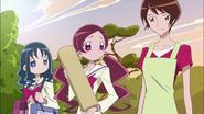 La madre de Itsuki da a conocer a Tsubomi y Erika la situación que esta pasando su hija