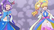 Magical y Miracle diciendo a Felice que use su ataque