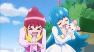Megumi y Hime aliviadas