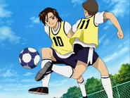 Fujip jugando al futbol