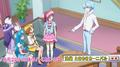Blue explica a las chicas la tarea de Yuko