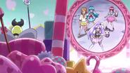 Mirage hablandoles a las Happiness Charge Pretty Cure