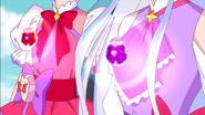 Los Cristales Futuro Carmin y Lila aparecen por primera vez