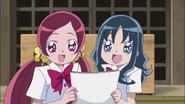 Tsubomi y Erika le piden a Ban ver su manga