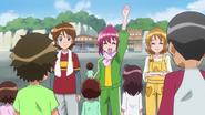 Megumi animando a todos apra ir por almejas