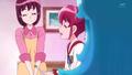 Kaori diciendole a megumi que dara lo mejor de eela para verla sonreir