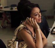 Mona 1x22 phone 2