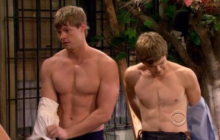 Brandon-W.-Jones-and-Jack-Depew-in-2-Broke-Girls-episode-2.07-02