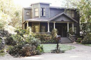 DiLaurentis House.jpg
