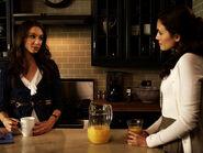 Spencer-Melissa-pretty-little-liars-girls-18173480-500-375