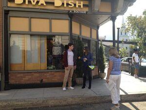 Aria and Wesley (Season3 Episode 19).jpg