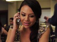 Mona 1x22 phone