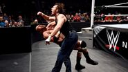 WWE Roadblock 2016.37