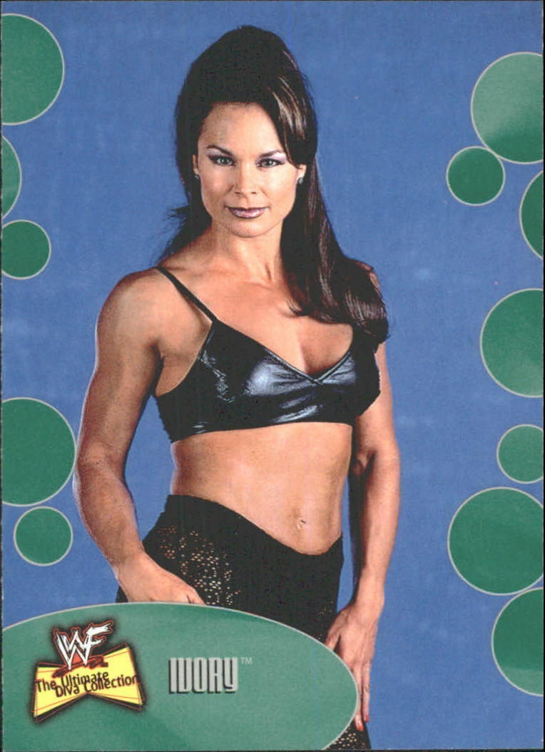 2001 WWF The Ultimate Diva Collection (Fleer) Ivory (No.17)