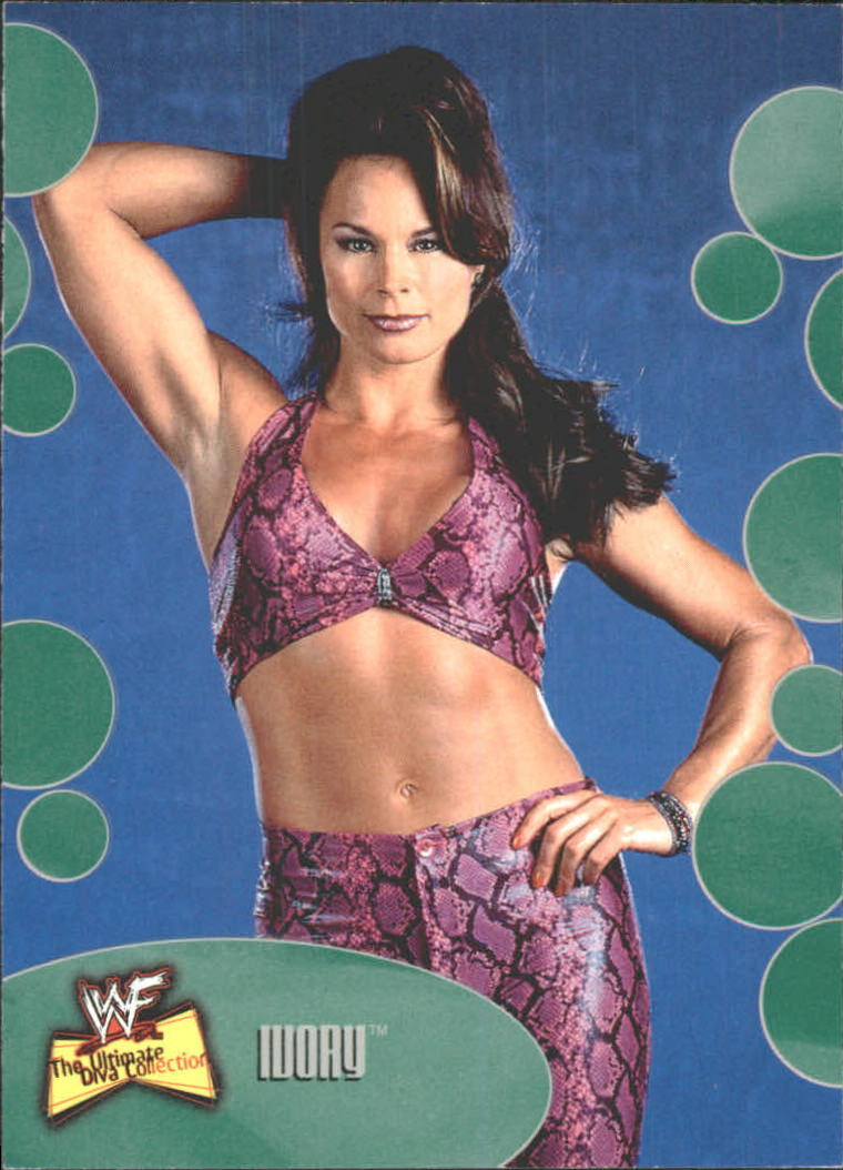 2001 WWF The Ultimate Diva Collection (Fleer) Ivory (No.31)