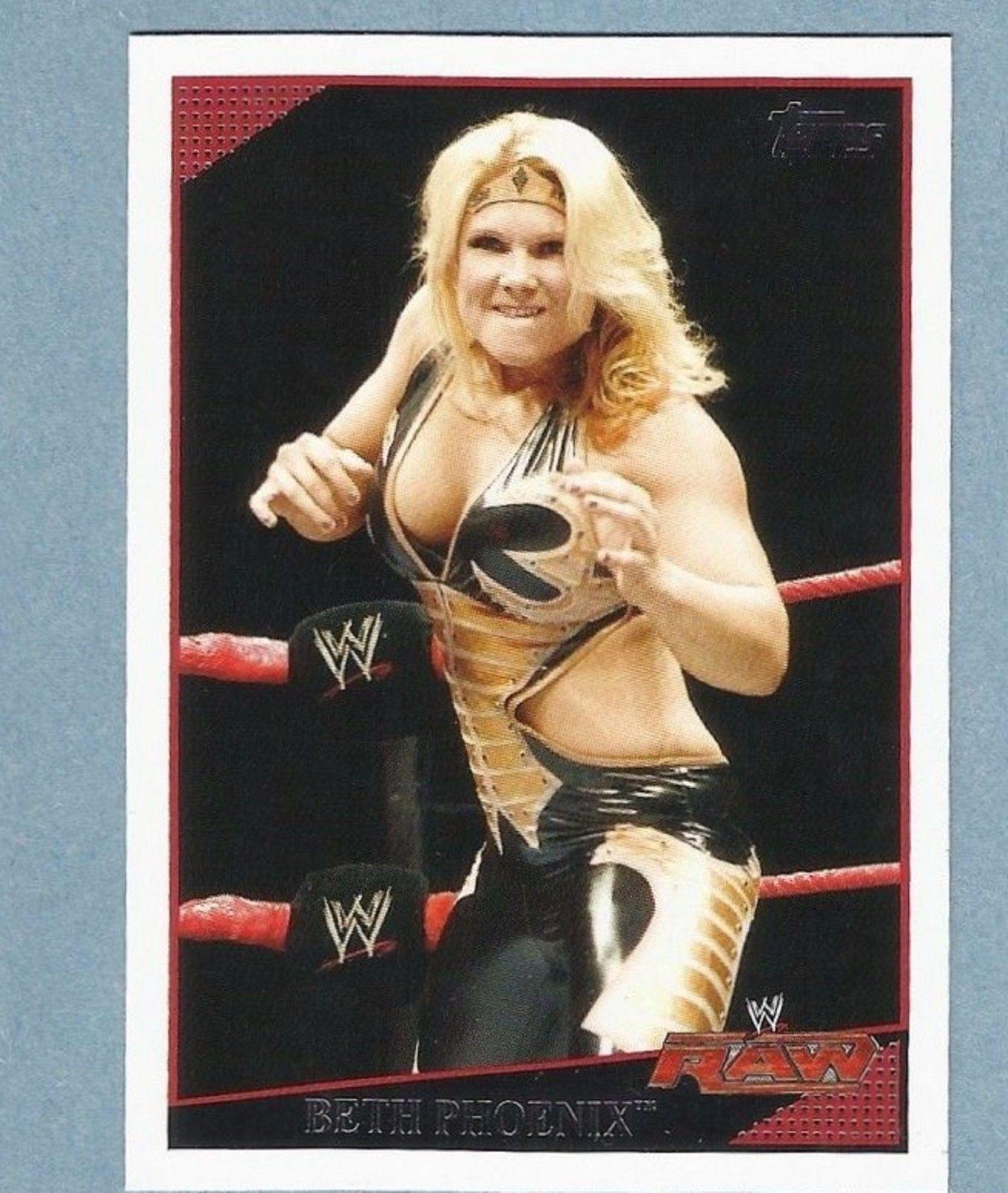 2009 WWE (Topps) Beth Phoenix (No.51)