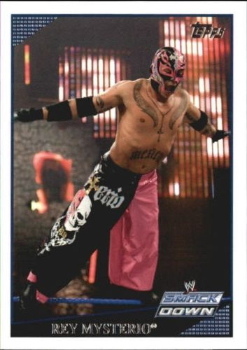 2009 WWE (Topps) Rey Mysterio (No.7)
