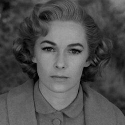 Lila Loomis
