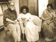 Svyatoslav Roerich, Sathya Sai Baba & Devika Rani Roerich