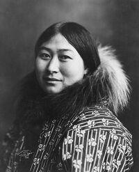 Inuit women 1907.jpg