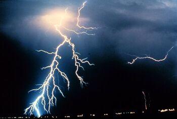 Lightning NOAA.jpg