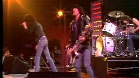 The Ramones - Blitzkrieg Bop (Live)