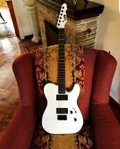 A guitar of the all modern punk rock (2)