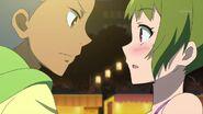 Kazuki grabs Wakana's hand