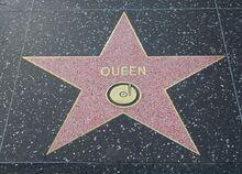 800px-Queen-star-hollywood.jpg