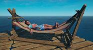 Майя спит в гамаке