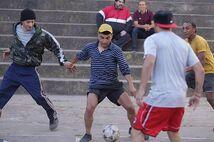 Dtoke jugando futbol en argenitna