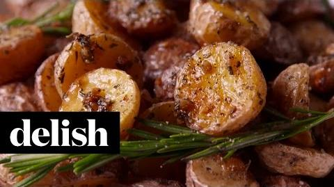 How_to_Make_the_Rosemary-Roasted_Potatoes