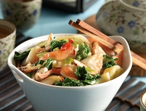 Lobster Surimi and Baby Bok Choy Stir-fry with Ginger Soya Seasoning