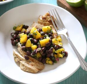 Grillled-chicken-with-mango-and-black-bean-salsa.jpg