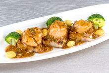 Pan-Fried Scallops with XO Sauce & Gingko Nuts-2-4-.jpg