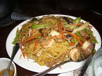 Chow+mein+with+pork+and+shrimp-2318.jpg