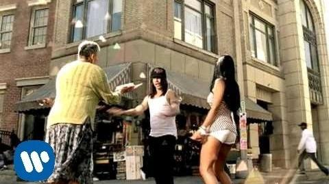 Red Hot Chili Peppers - Hump de Bump -Official Music Video-