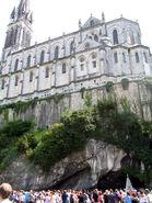 Lourdes cathedrale-grotte