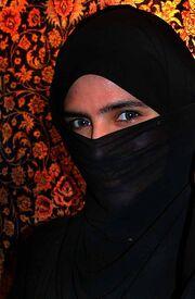 EFatima in UAE with niqab.jpg