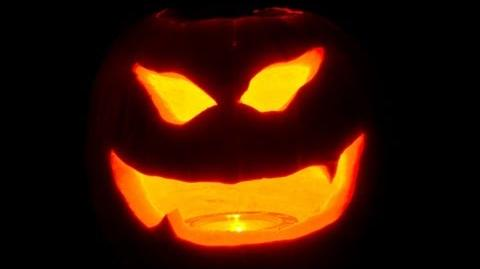WatchMojo_History_of_Halloween
