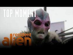 Alien vs Kid - Resident Alien - SYFY