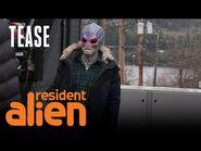 Alan Tudyk Talks Alien Makeup - Resident Alien - SYFY