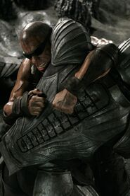 Still-of-vin-diesel-in-the-chronicles-of-riddick-(2004)-large-picture (1)