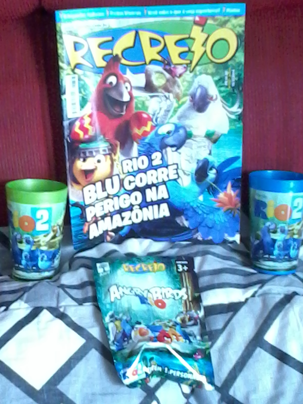 DisneyForever/Review of Recreio Magazine with special content from Rio 2