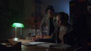 2x04 Jughead and Betty